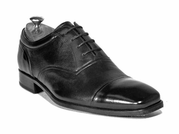 Zapato fabricado a través del metodo cementado