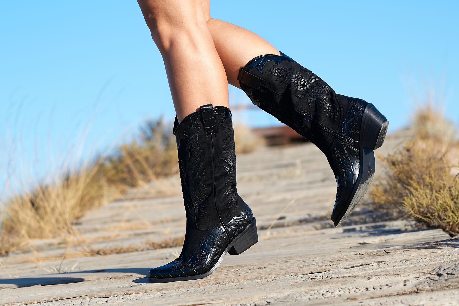 Botas altas camperas negras